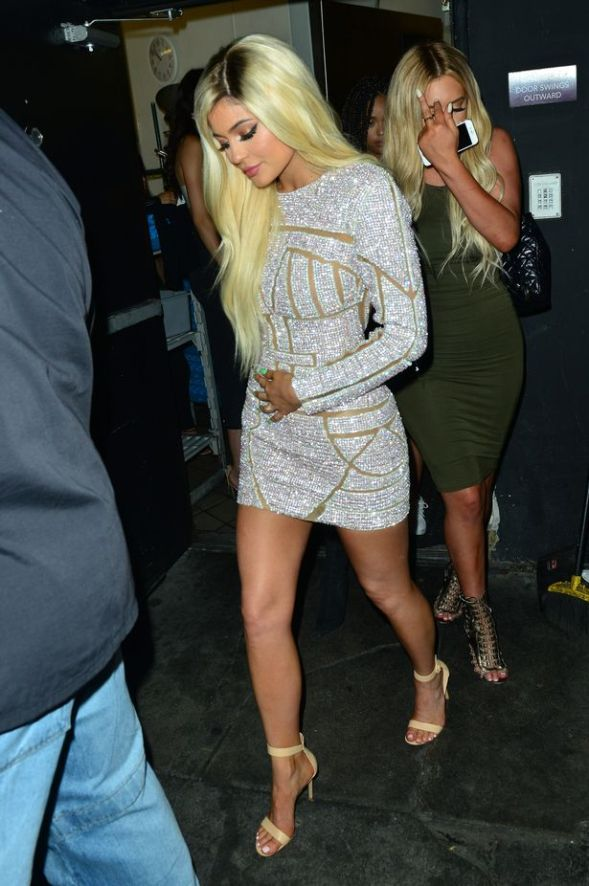 Kylie-Jenner-spotted-leaving-Nice-Guy-nightclub-for-Kylie-Jenner-18th-birthday-in-Los-Angeles-CA
