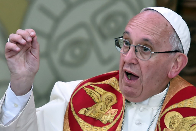 apologize to gays, says pope francis