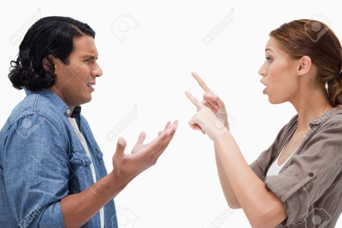 11685425-Side-view-of-arguing-couple-against-a-white-background-Stock-Photo.jpg