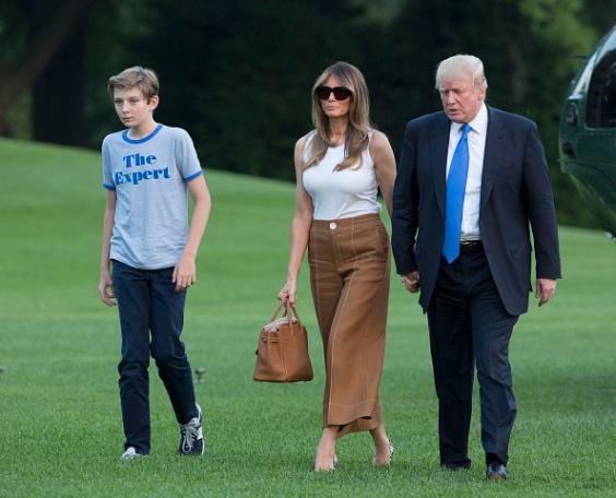 Donald-Melania-and-Barron-Trump.jpg